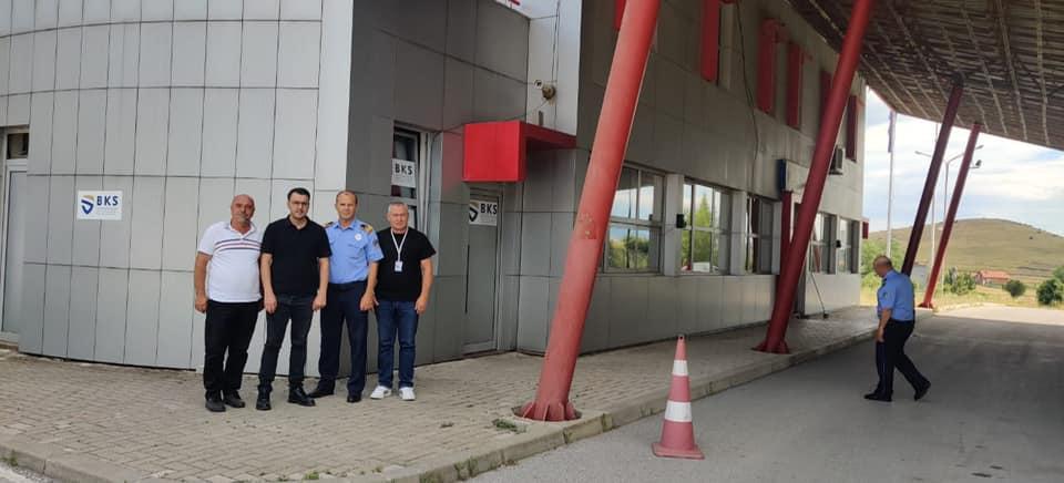 Drejtori i Byrosë Kosovare të Sigurimit (BKS) Sami Mazreku ka vizituar pikën kufitare në Glloboçicë